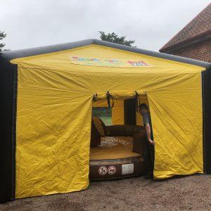 hyra uppblåsbart tält